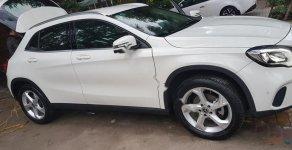 Bán Mercedes GLA 200 đời 2017, màu trắng, nhập khẩu  giá 1 tỷ 425 tr tại Hà Nội