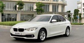 Bán BMW 320i LCI màu trắng/kem model 2017 giá 1 tỷ 199 tr tại Tp.HCM