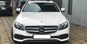 Mercedes E250 màu trắng qua sử dụng chính hãng, Chỉ 800tr nhận xe ngay giá 2 tỷ 180 tr tại Tp.HCM