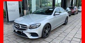 Bán xe Mercedes E300 bạc/nâu 2018 cũ chính hãng giá tốt. Trả trước 750 triệu nhận xe ngay giá 2 tỷ 310 tr tại Tp.HCM
