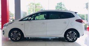 Bán ô tô Kia Rondo đời 2019, màu trắng, nhập khẩu nguyên chiếc giá 585 triệu tại Bình Dương