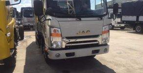Bán xe tải JAC 1T9 thùng dài 4m3 động cơ Isuzu - trả trước 100 triệu có xe giá 380 triệu tại Bình Dương