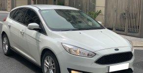 Bán xe Ford Focus Trend sản xuất 2017, màu trắng, giá chỉ 549 triệu giá 549 triệu tại Tp.HCM