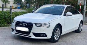 Cần bán lại xe Audi A4 đời 2012, màu trắng, nhập khẩu giá 825 triệu tại Hà Nội