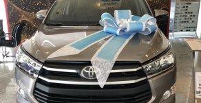 Giảm giá tiền mặt - Tặng phụ kiện chính hãng khi mua xe Toyota Innova 2.0 E đời 2019, màu xám. giá 696 triệu tại Tp.HCM