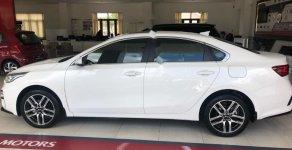 Bán Kia Cerato 2.0 AT Premium đời 2019, màu trắng giá 675 triệu tại Khánh Hòa
