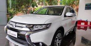 Khu vực TP. Hồ Chí Minh - Bán Mitsubishi Outlander 2.0 CVT 2019, màu trắng giá 807 triệu tại Tp.HCM