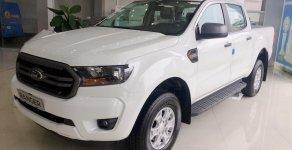 Bán nhanh đón tết chiếc xe Ford Ranger XLS 2.2L AT, sản xuất 2019, màu trắng, giá cạnh tranh giá 650 triệu tại Hà Nội