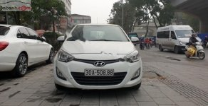 Cần bán Hyundai i20 1.4 AT năm sản xuất 2014, màu trắng, nhập khẩu, giá 375tr giá 375 triệu tại Hà Nội