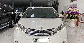 Cần bán xe Toyota Sienna năm sản xuất 2013, xe nhập giá 2 tỷ 200 tr tại Hà Nội