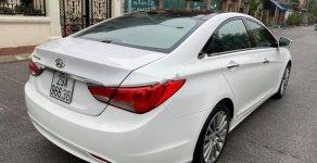 Cần bán gấp Hyundai Sonata 2.0AT năm 2013, màu trắng, nhập khẩu nguyên chiếc chính chủ, giá 570tr giá 570 triệu tại Hà Nội