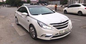 Cần bán lại xe Hyundai Sonata 2.0 AT sản xuất năm 2011, màu trắng, nhập khẩu giá 300 triệu tại Hà Nội