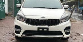 Cần bán Kia Rondo GAT sản xuất 2017, màu trắng chính chủ, 585 triệu giá 585 triệu tại Hà Nội