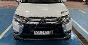 Cần bán xe Mitsubishi Outlander sản xuất năm 2018, màu trắng giá 926 triệu tại Hà Nội