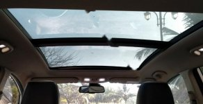 Cần bán Kia Rondo sản xuất 2017, màu trắng số tự động giá cạnh tranh giá 595 triệu tại Tp.HCM