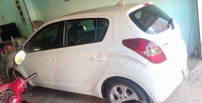 Bán xe Hyundai i20 đời 2011, màu trắng, nhập khẩu nguyên chiếc ít sử dụng giá 300 triệu tại Bình Dương