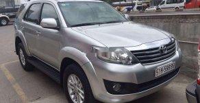 Cần bán lại xe Toyota Fortuner AT đời 2012, màu bạc, 589 triệu giá 589 triệu tại Cần Thơ