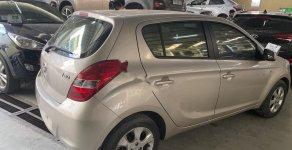 Cần bán lại xe Hyundai i20 sản xuất năm 2011, màu vàng, nhập khẩu  giá 320 triệu tại Hà Nội