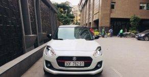 Cần bán gấp Suzuki Swift đời 2019, màu trắng số tự động giá 565 triệu tại Hà Nội