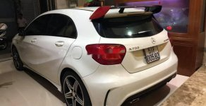 Cần bán lại xe Mercedes năm 2014, màu trắng giá 1 tỷ 150 tr tại Tp.HCM